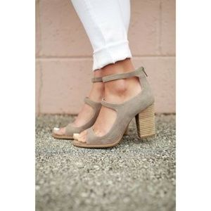 Seychelles Strappy Suede Chunky Heels